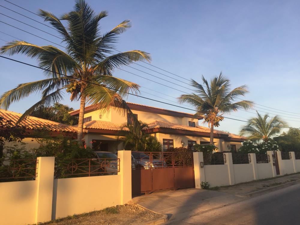 Huizenruil: Villa in Oranjestad